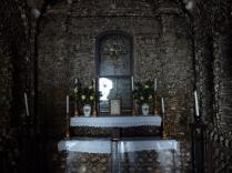 Altar at Capela dos Ossos