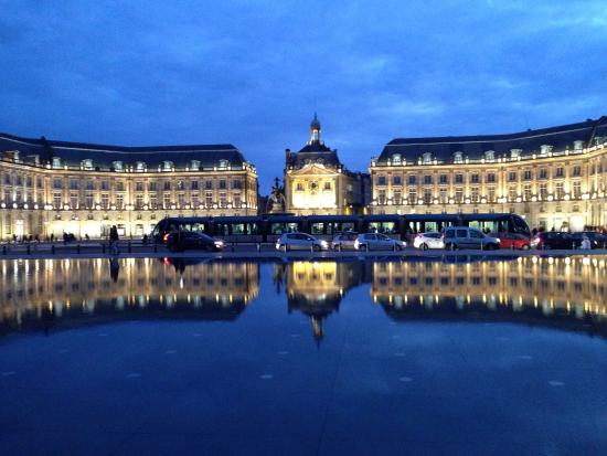the-palace-at-night-reflected